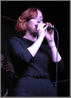 Molly Ringwald at the Iridium NYC - Photo by Luxury Experience